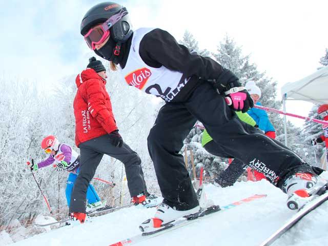 https://www.skialpinlafeclaz.org/wp-content/uploads/2018/12/equipe-competition.jpg